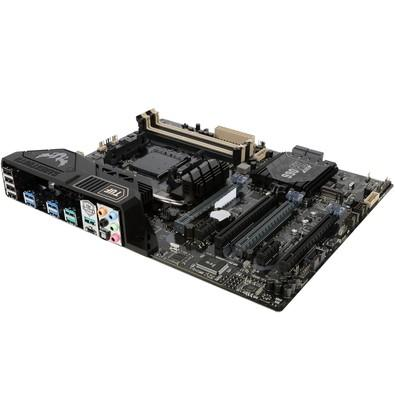 Placa-Mãe ASUS p/ AMD AM3+ ATX SABERTOOTH 990FX R3.0 DDR3